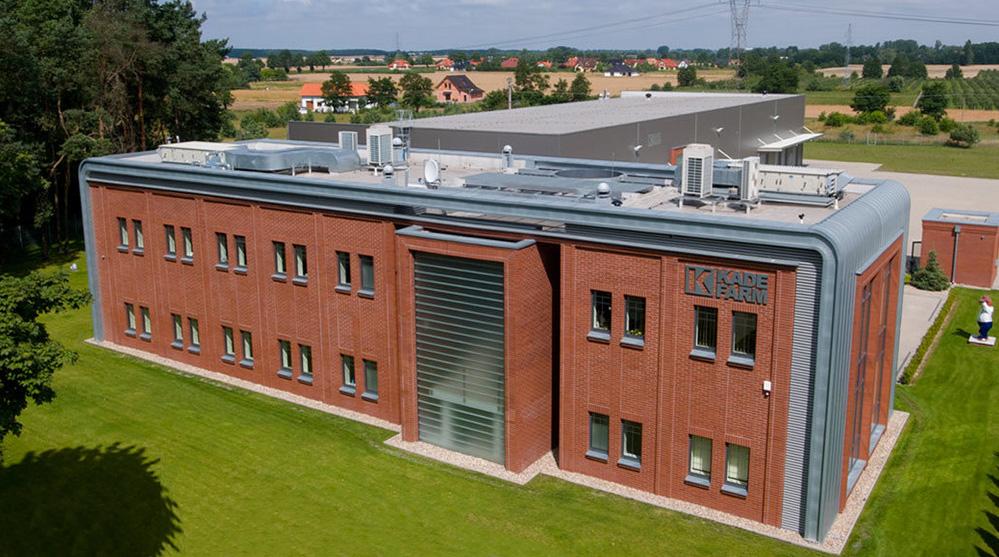 Budynek biurowy z częścią magazynową Kadefarm Tarnowo Podgórne Widok z lotu ptaka
