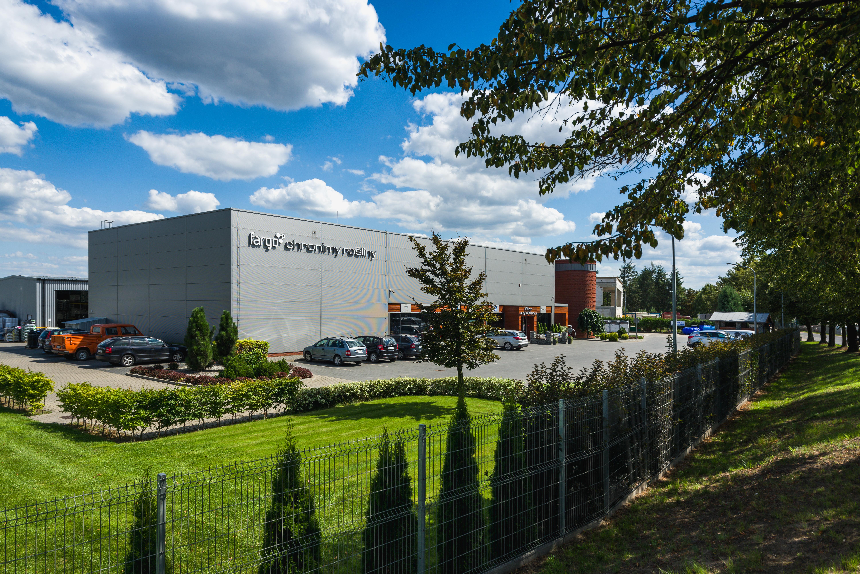 Budynek handlowy środków ochrony roślin wraz z częścią magazynową oraz administracyjną Fargo Tarnowo Podgórne Parking