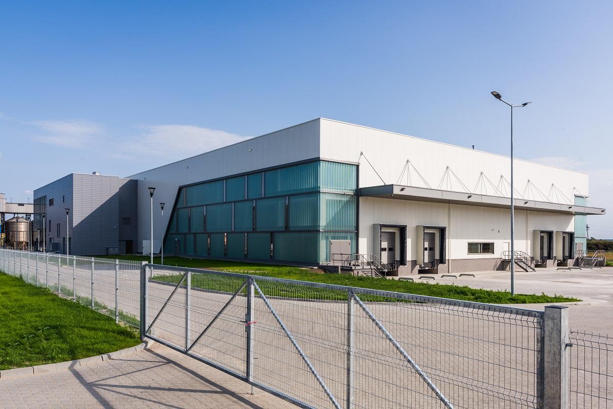 Budynek produkcyjny dań gotowych wraz z częścią magazynową oraz administracyjną Mróz S.A. Borek Wielkopolski Wjazd