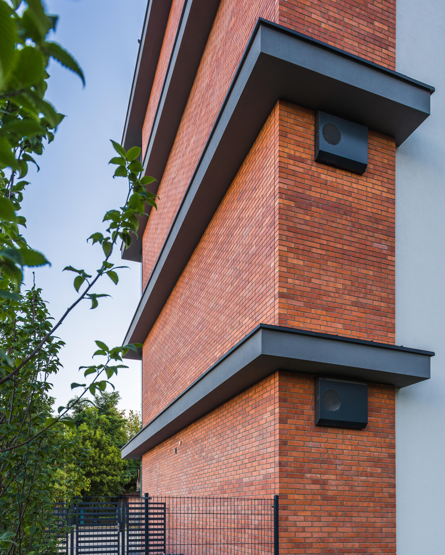 Budynek mieszkalno-biurowy z usługami w parterze Jakon Sp. z o.o. Poznań