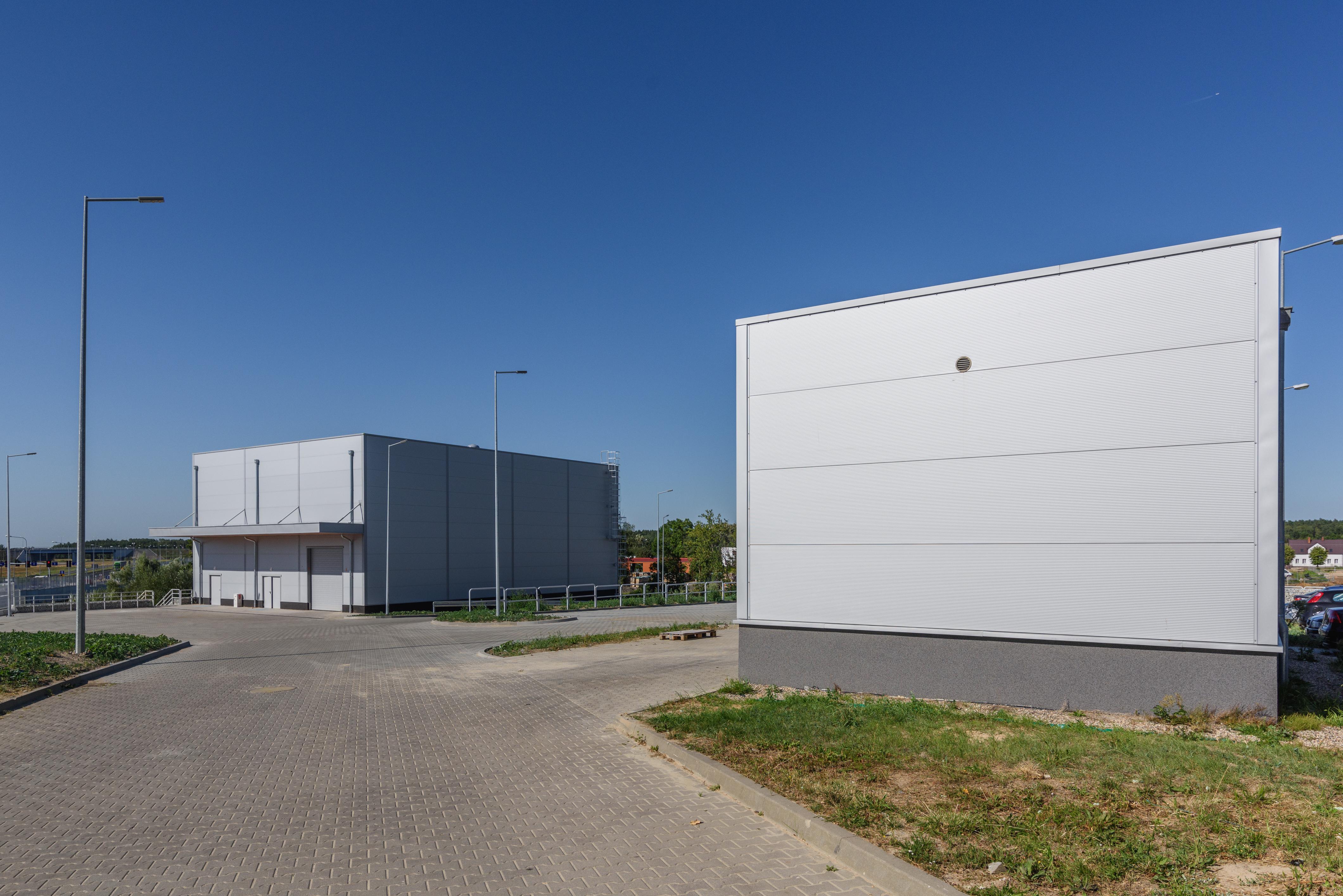 Budynek produkcyjny narzędzi elektrochirurgicznych dla branży medycznej oraz czujników elektronicznych dla przemysłu motoryzacyjnego wraz z częścią magazynową oraz administracyjną BOWA